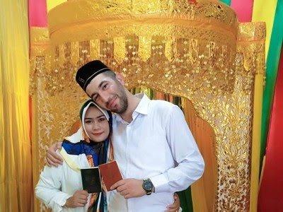 3 Tahun Nikahi Gadis Aceh yang Dikenal di FB, Polisi Turki Tetap Bucin