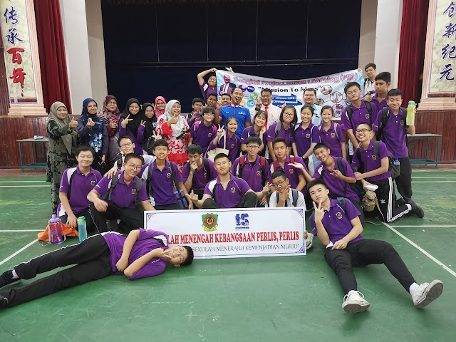 Bengkel ke Marikh Dengan Murid SMK Perlis. Best!