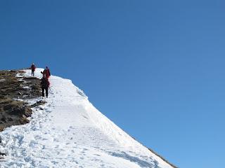 Abstieg am Gipfelkamm
