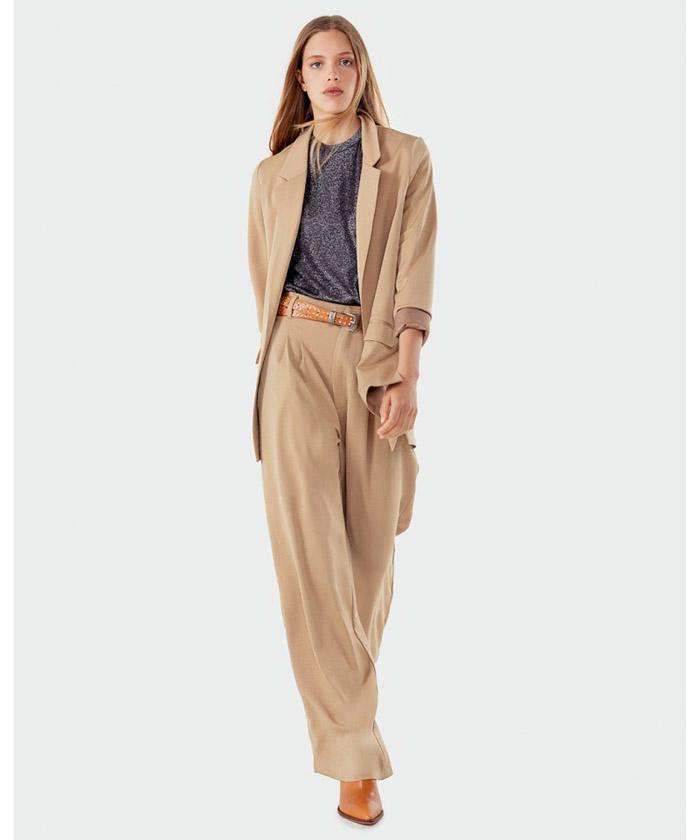 Blazer y pantalón de vestir mujer moda invierno 2020.