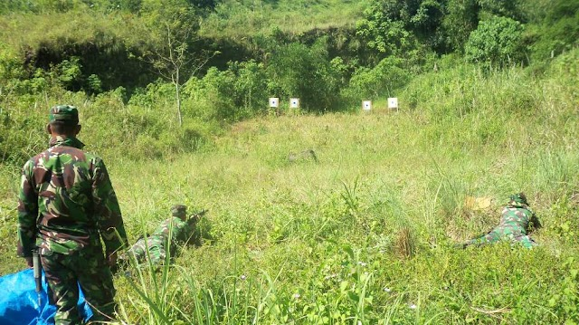 Latihan Tembak Untuk Bela Negara