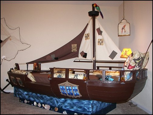 Maries Manor: Pirate Bedrooms