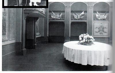 """Банкетный зал из отвергнутого эпилога к к/ф """"На плечо!"""" (1918)"""