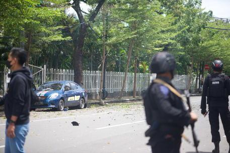 Domenica delle palme di sangue in Indonesia, attacco kamikaze