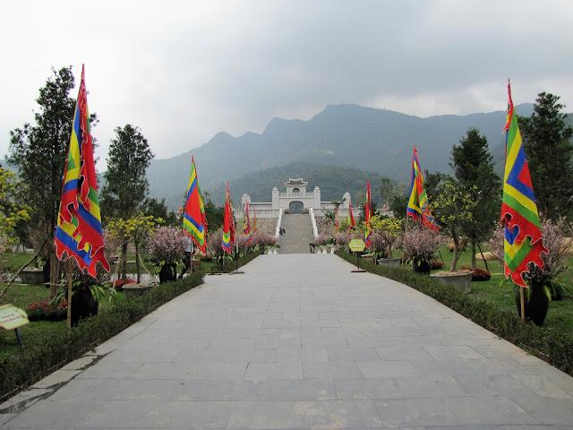 yen tu pagoda garden vietnam