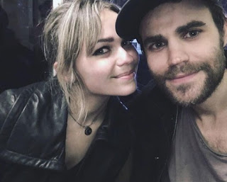 Leah Wasilewski clicking selfie with her siblings brother Paul