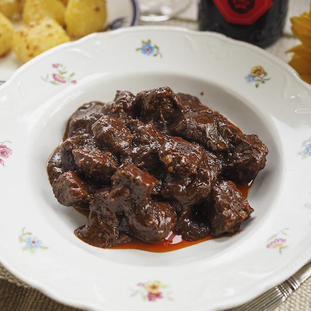 Kulinaari Paakarin pippurinen lihapata