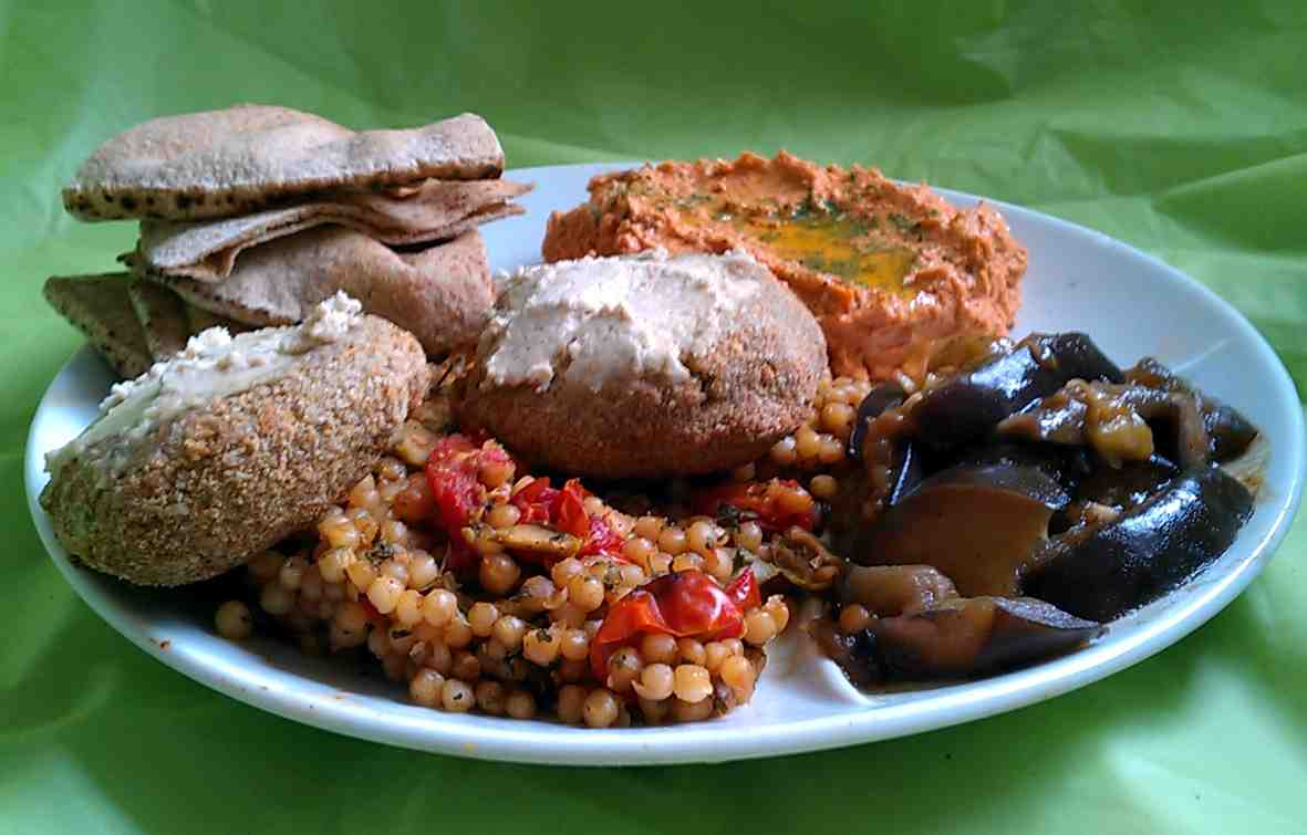Kissing The Cook: Mediterranean Style Dinner Plate Part 1