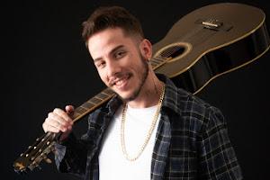 """Conheça Ivo Magalhães, o novo """"Bad Boy"""" da música sertaneja"""