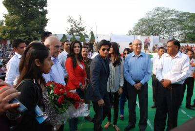 Movies Blog: Shahrukh, Katrina & Anushka promote Jab Tak ...