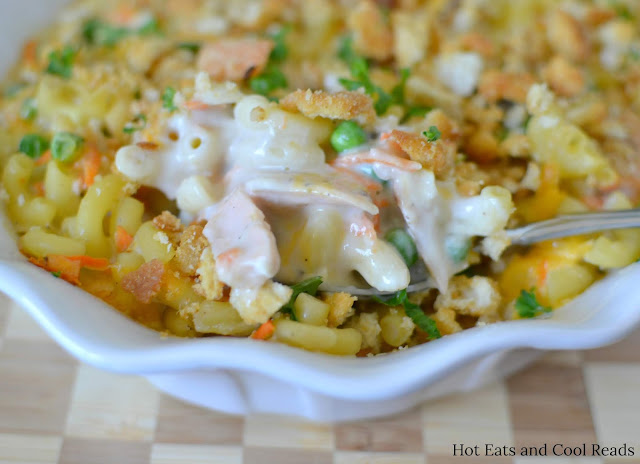 Salmon Macaroni Casserole Recipe from Hot Eats and Cool Reads! This delicious and family friendly comfort food casserole can be on the table in an hour! Use canned salmon, leftover cooked salmon fillets or even give tuna a try!