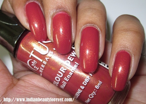 Lotus Herbals Colour Dew Nail Enamel in Cherry Crush