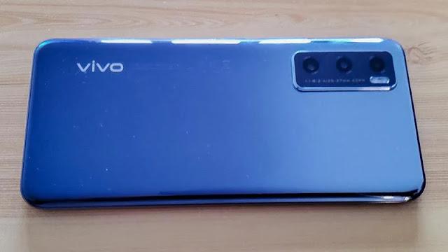 Vivo Y70 Review