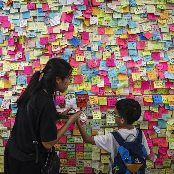 Les «murs John Lennon» soutiennent la révolte à Hong Kong