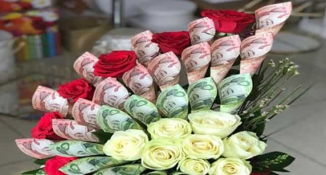 Jail term & Fine on decorating Flower bouquets with Saudi banknotes