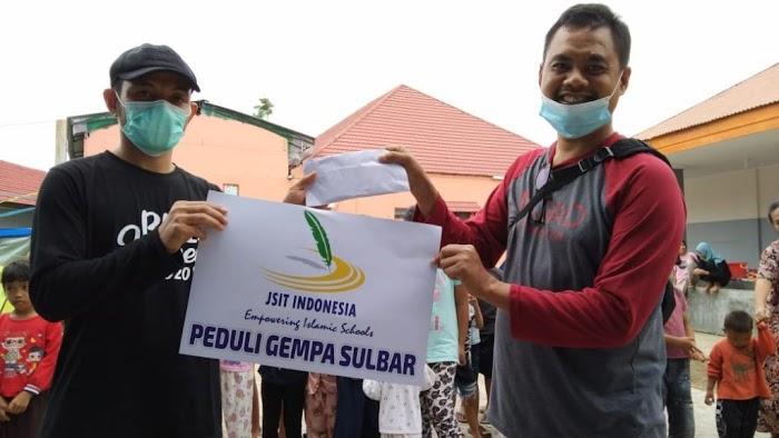 SD IT Nurul Jannah Peduli Bencana Banjir Sulawesi Barat