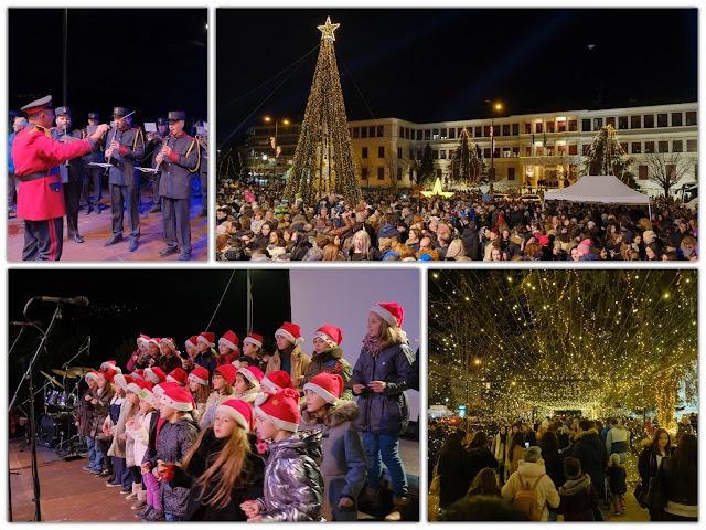 ΓΙΑΝΝΕΝΑ: Φωταγωγήθηκε η πλατεία και το Χριστουγεννιάτικο δέντρο