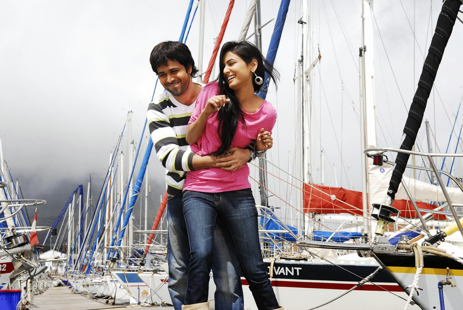 LOVELY COUPLES FREE HD WALLPAPER DOWNLOAD: Emraan Hashmi ...