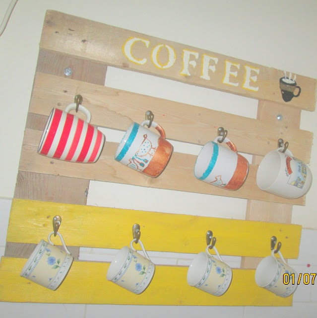 5 - מתלה לספלי קפה