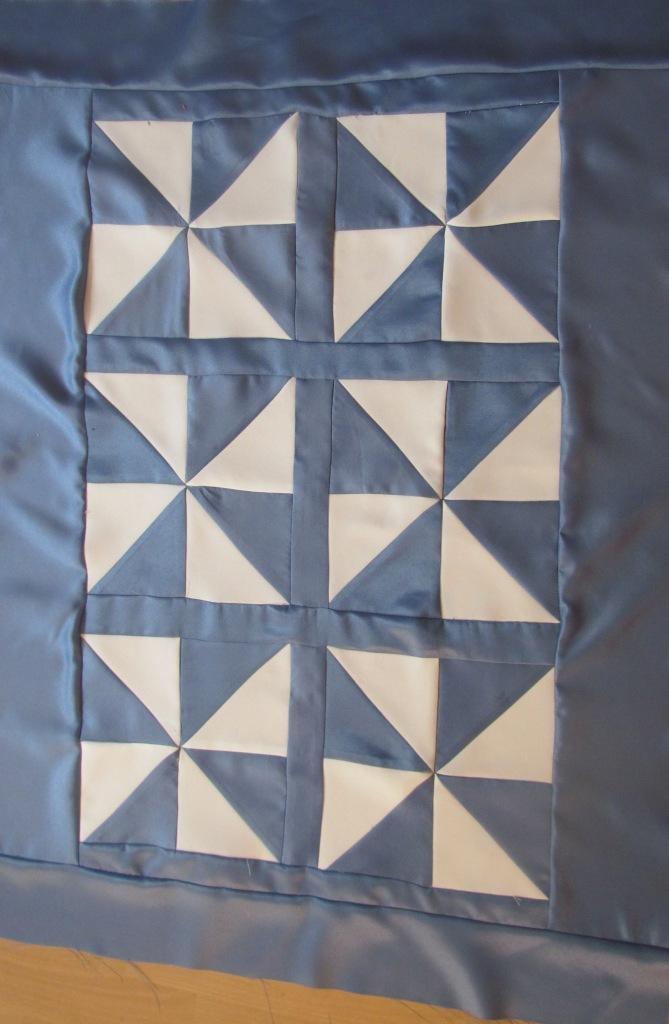 ninis patchwork blog tagesdecke f r irena. Black Bedroom Furniture Sets. Home Design Ideas
