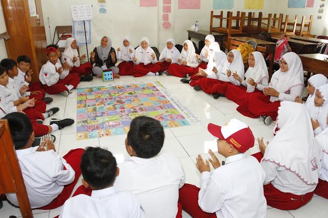 Ikke A Fitriani di Kelas Inspirasi Surabaya 5