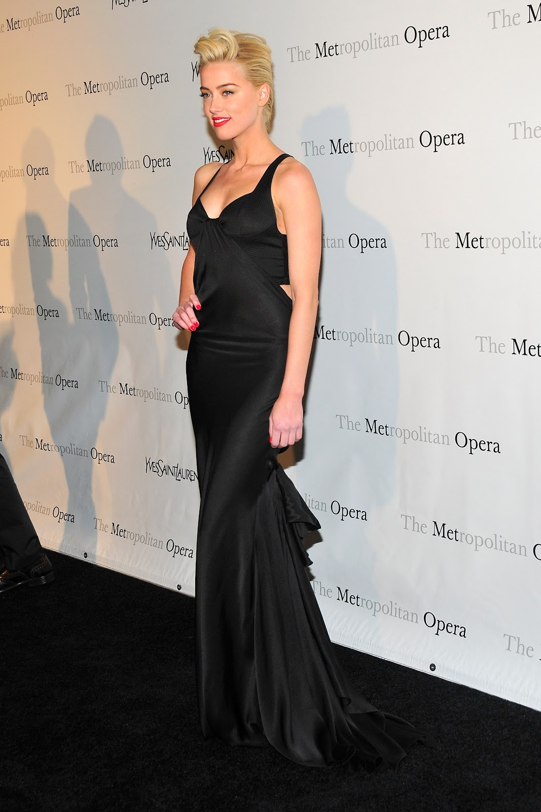 Amber Heard (アンバー・ハード)Metropolitan ...