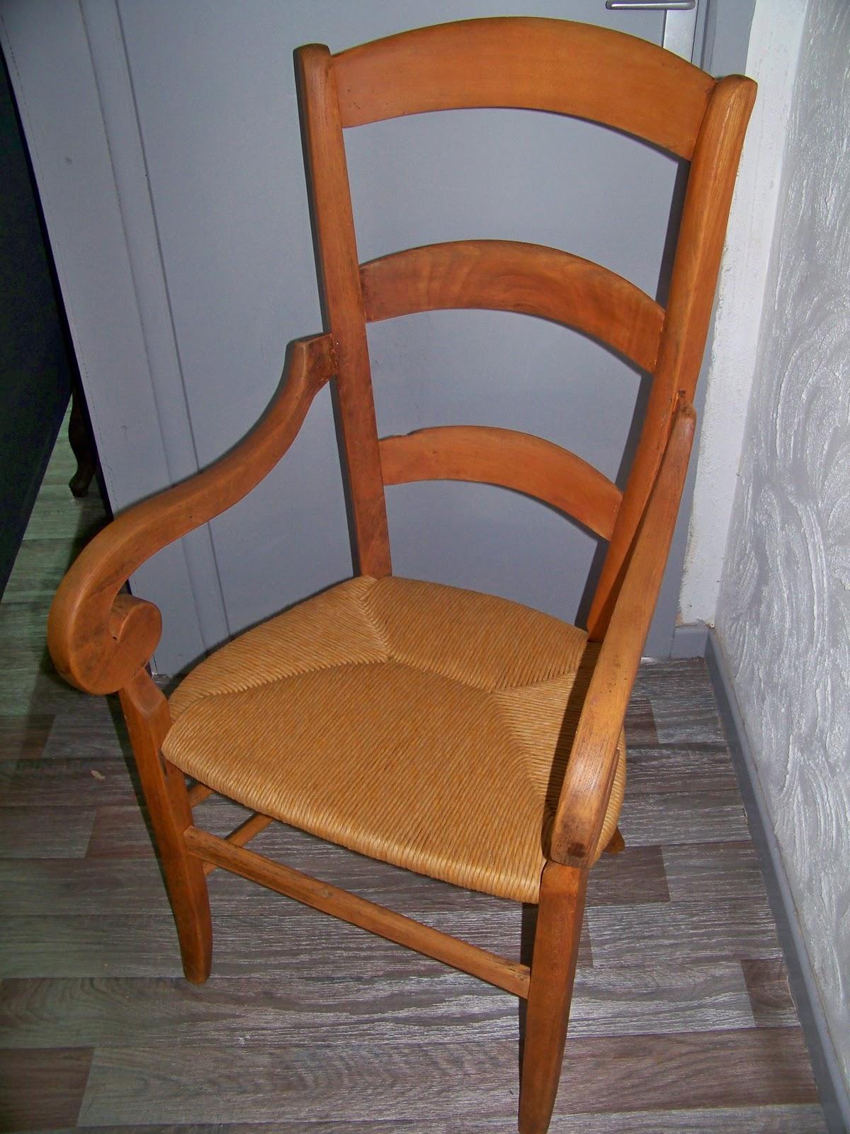 TAPISSIER DECORATEUR: Chaise paillé