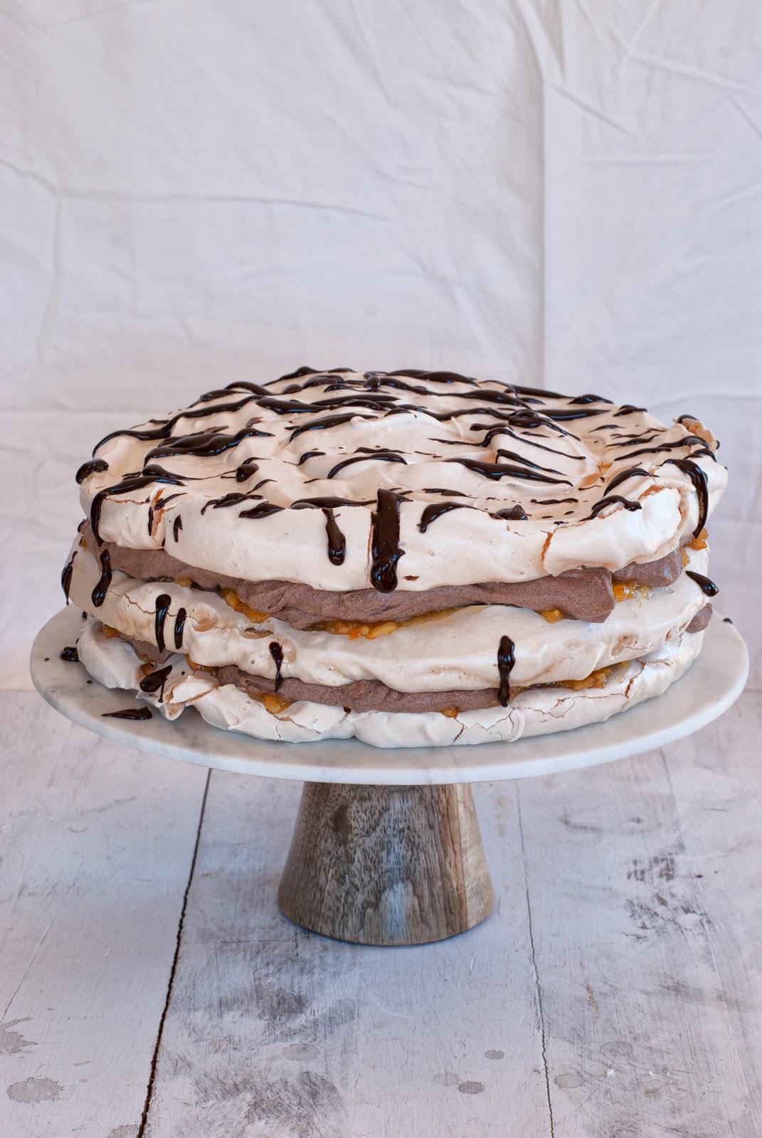 Tort bezowy czekoladowo-pomarańczowy