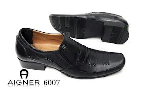 Tips Merawat Sepatu Yang Benar