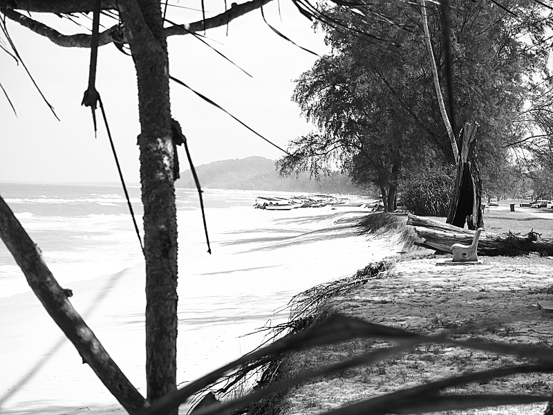 Quiet On The Beach 04