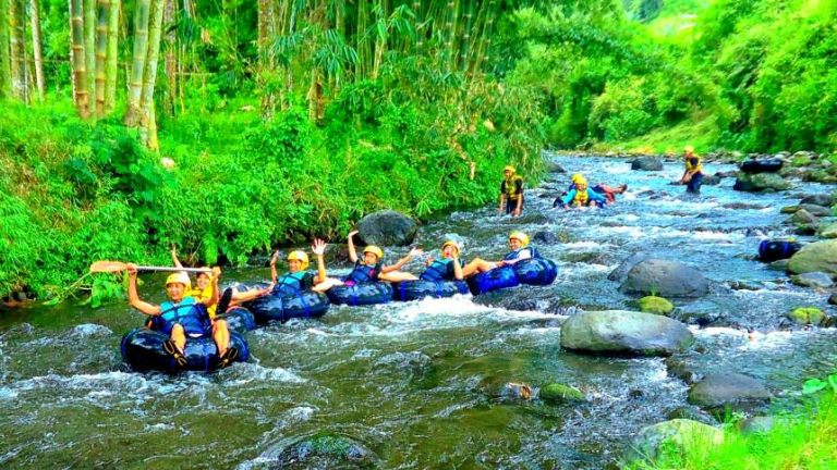 Wisata rafting dan Tubing poncokusumo Wringinanom Malang