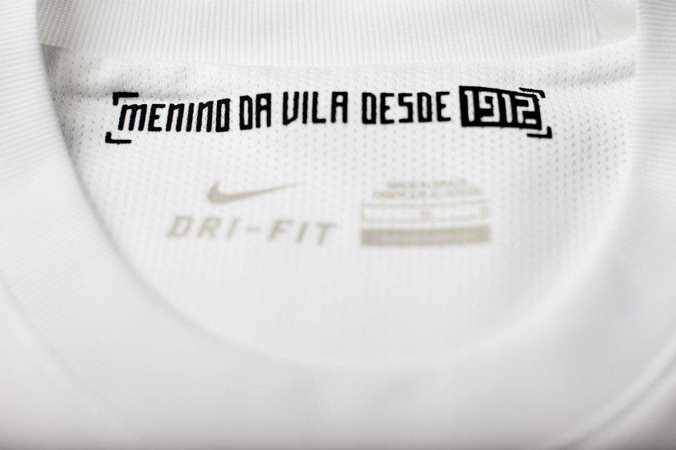 Outro ponto preocupante é a questão da numeração das camisas. Todas as  equipes de futebol que vestem Nike utilizam numeração fica para os seus  jogadores. 3b6ba06235932
