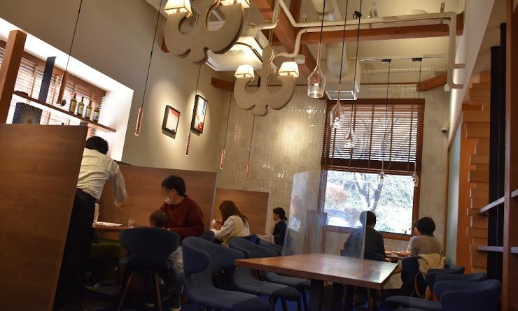 ハルニレ(春楡)テラスにあるイタリアン・レストラン