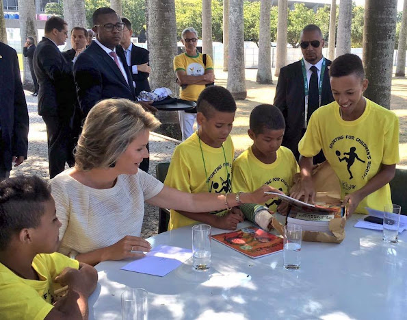 King Philippe and Queen Mathilde of Belgium visited a project of the NGO Kiyo in Rio de Janeiro