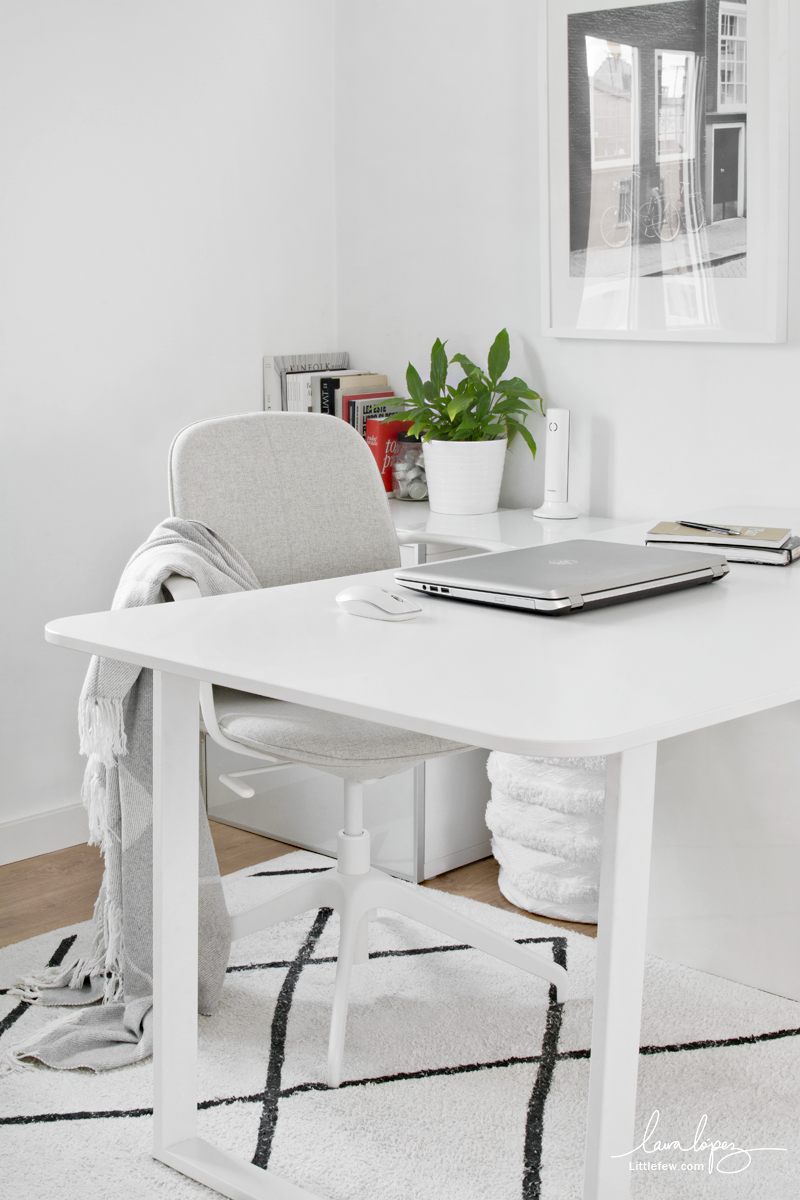 WORK AT HOME WITH STYLE: NEW IKEA WHITE CHAIR  /  Trabaja en casa con estilo: nueva silla de oficina blanca (IKEA)