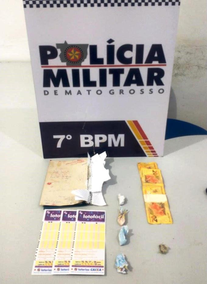 Policiais do 7º BPM prenderam duas mulheres por tráfico de drogas em Rosário Oeste