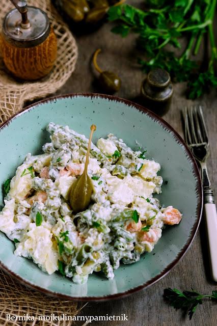 salatka, ziemniaki, rosyjska, ziemniaczana, kapary, obiad, bernika, kulinarny pamietnik