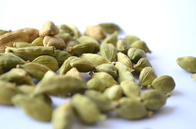 Benefits of Green Cardamom in lifestyle