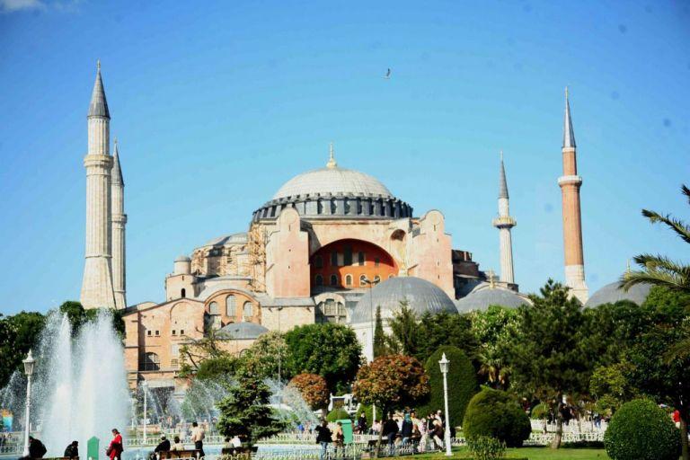 Τουρκία: Το 82% έκρινε πιο σημαντικό έργο του 2020 τη μετατροπή της Αγίας Σοφίας σε τζαμί