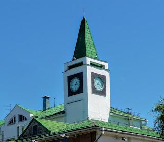 Пинск. Полесский университет. Уличные часы
