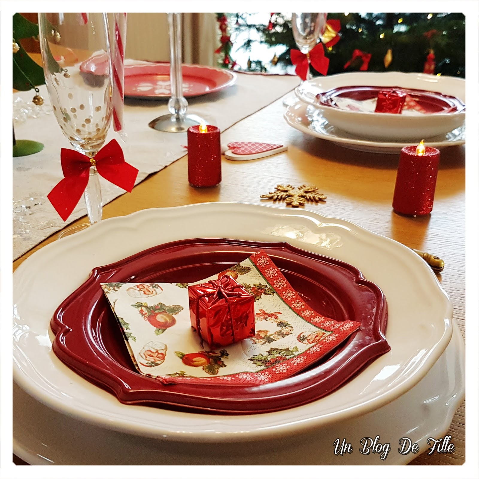 http://www.unblogdefille.fr/2018/12/decoration-table-de-noel-fetes-en-rouge.html