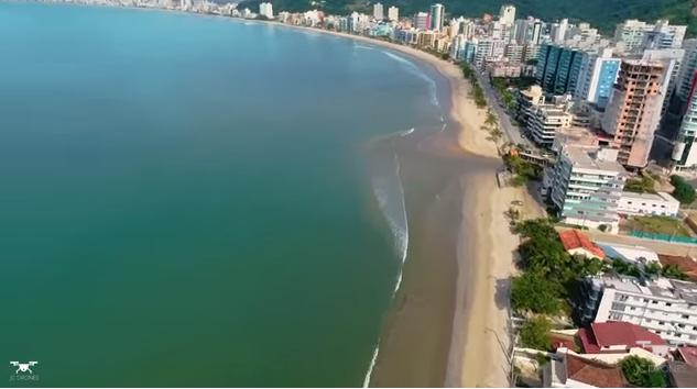 Drones no céu de Itapema belas imagens aéreas