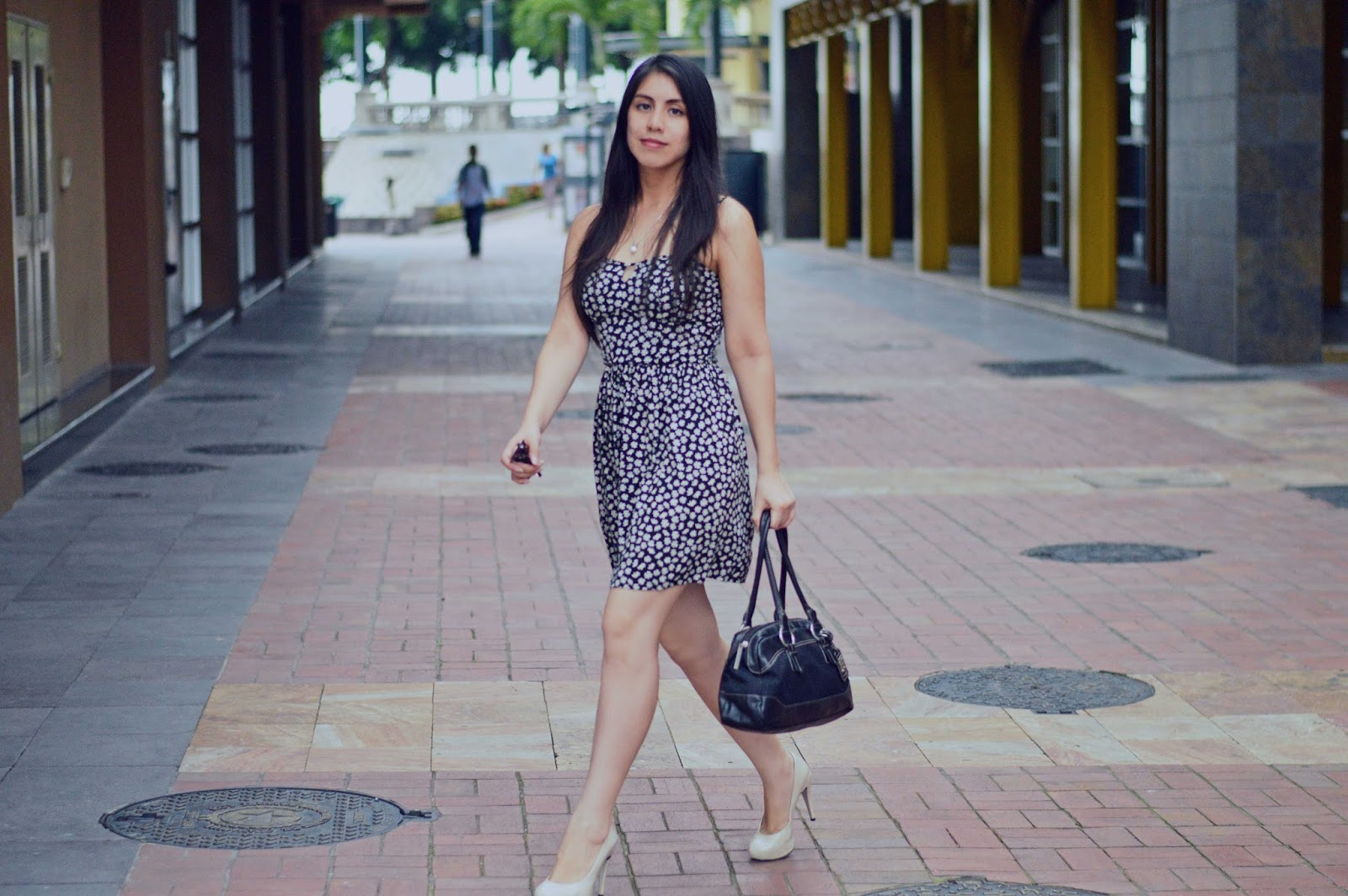 silvia-armas-flower-power-dress-latina-fashion-blogger-ecuador