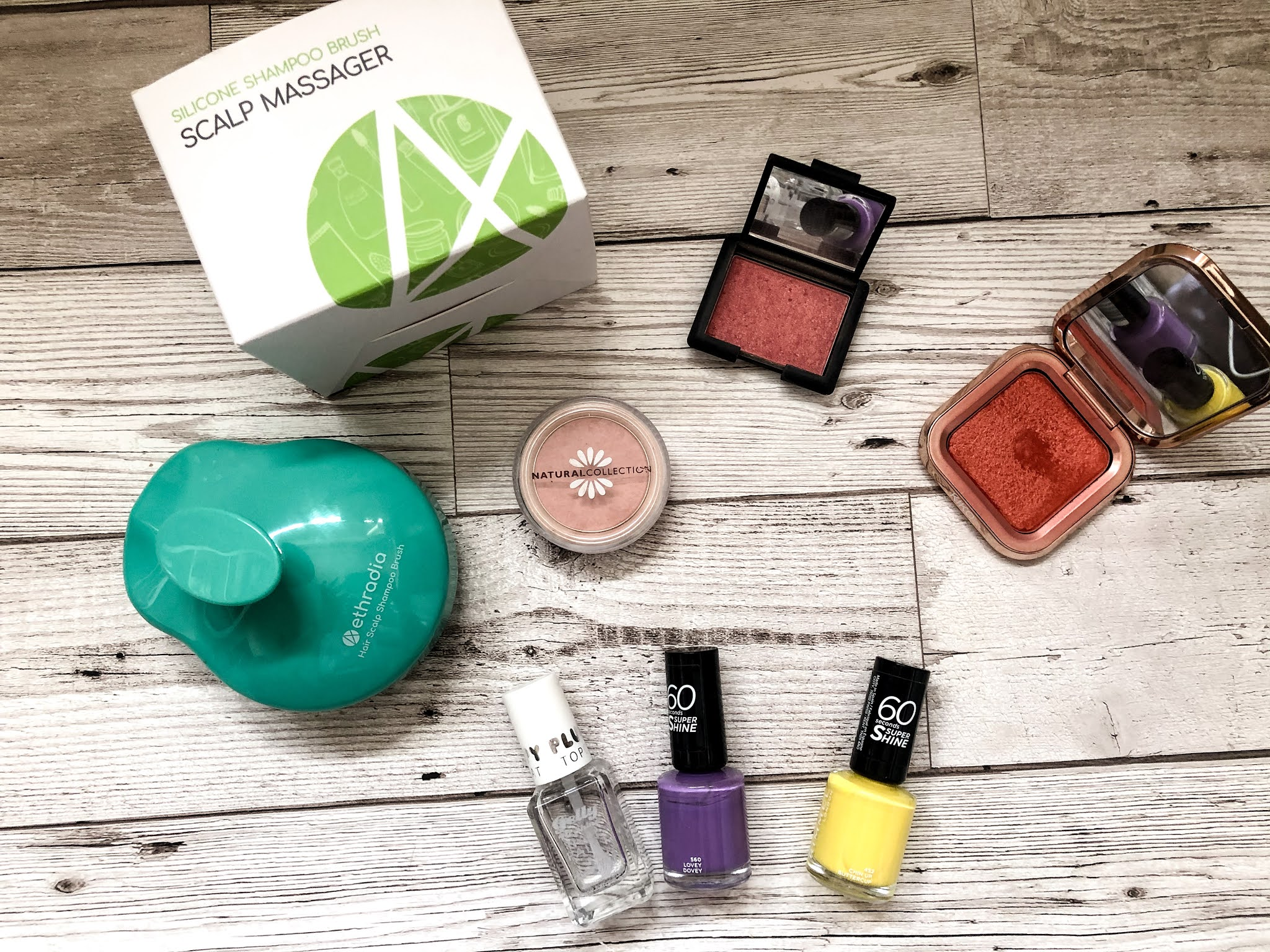 April favourites in 2021. Includes a silicone scalp massager, nail polishes and iridescent blushers.