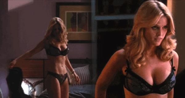 Tia Bleach nude