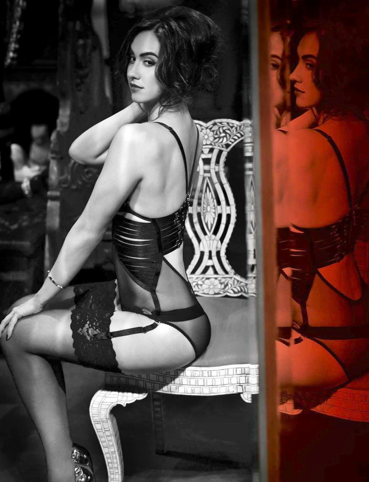 Lauren Gottlieb hot bikini photos hd gallery