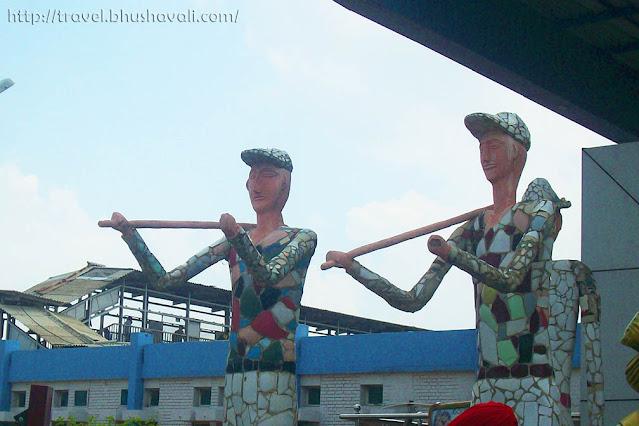 Nek Chand Rock Garden sculptures at Chandigarh Railway Station