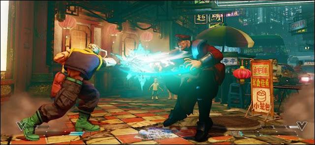 """لقطة شاشة من """"Street Fighter"""" تُظهر شخصية تضرب شخصًا آخر."""