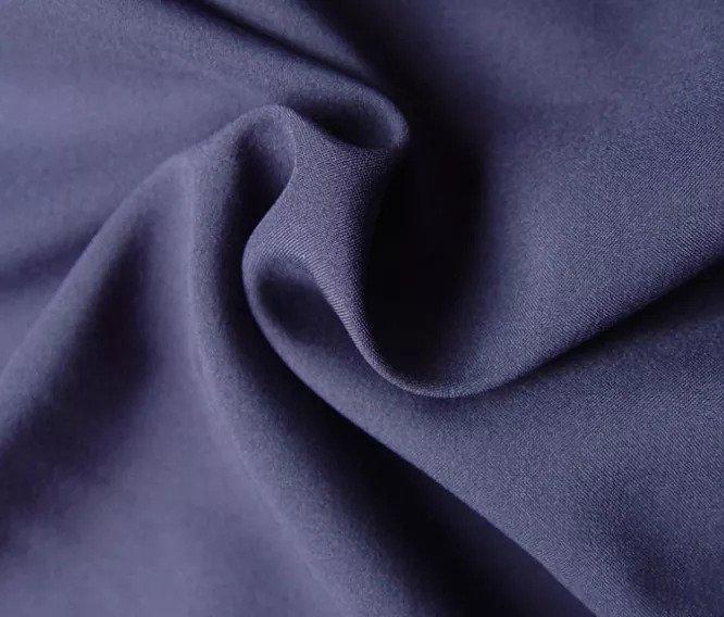 Các loại vải Polyester có chỉ số UPF rất cao, tuy nhiên lại không thấm hút mồ hôi gây khó chịu