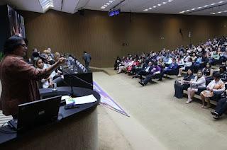 http://vnoticia.com.br/noticia/3734-governo-vai-lancar-campanha-de-incentivo-a-adocao-tardia